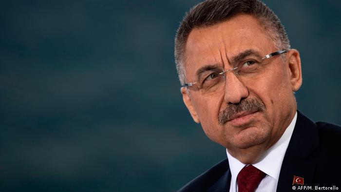 نائب الرئيس فؤاد أقطاي تراس الوفد التركي الذي ضم وزير الخارجية مولود جاويش أوغلو.