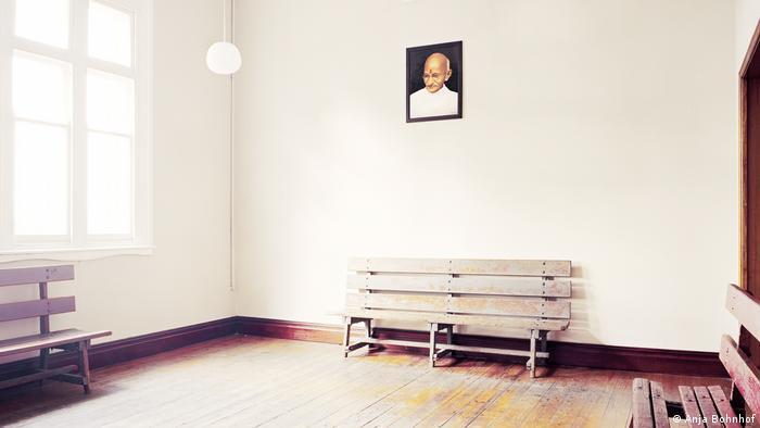 Tracking Gandhi - Anja Bohnhof (Anja Bohnhof)