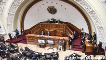 Venezuela Pro-Maduro Abgeordnete kehren ins Parlament zurück Juan Guaido