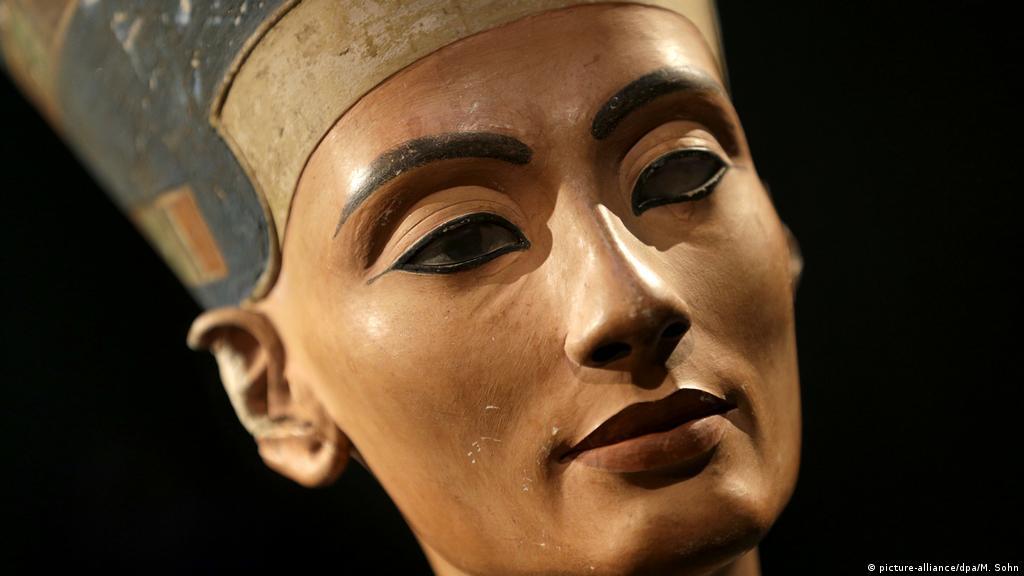 Facts about Nefertiti, the wife of pharaoh Akhenaten