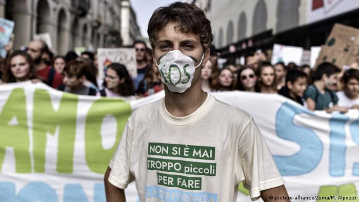 Friday for Future climate strike, Italy (picture-alliance/Zuma/M. Alpozzi)
