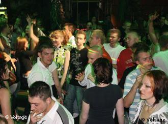 Руссоязычная молодежь в берлинском клубе Voltage