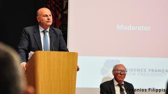 Στιγμιότυπο από το συνέδριοτου Συμβουλίου της Ευρώπης στο Παρίσι, όπου παρευρέθη ο έλληνας υπουργός