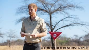 Angola Prinz Harry besucht Minenfeld