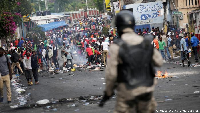 El recrudecimiento de los disturbios en Haití pone en guardia a República  Dominicana | Las noticias y análisis más importantes en América Latina | DW  | 28.09.2019