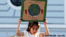 BdT, Mädchen nimmt an Klimaprotest Fridays for future in Valparaiso teil