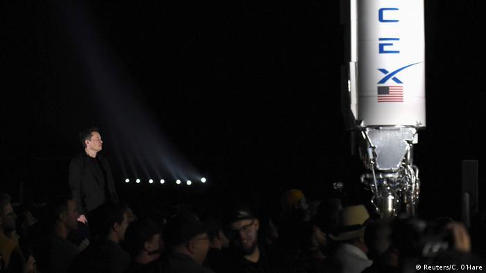 Ілон Маск під час презентації компанією SpaceX космічного корабля Starship у Техасі