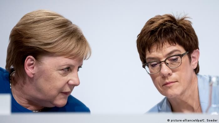 Merkel and AKK (picture-alliance/dpa/C. Soeder)