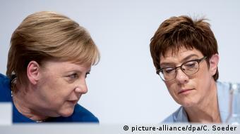Merkel and AKK (picture-alliance/dpa/C. Soeder)