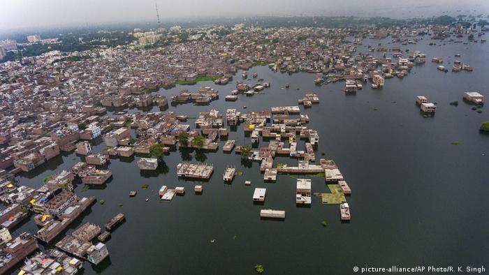 Überschwemmungen im Norden Indiens