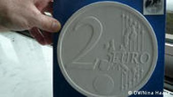 Wie Kommt Das Ll Auf Die Euromünzen Europa Dw 12012010