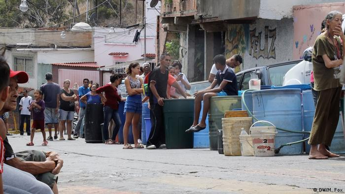 Venezuelans lining up for drinking water