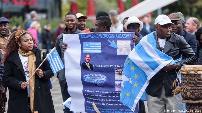 Deutschland Kundgebung zum Unabhänigkeitstag von Ambazonia in Berlin