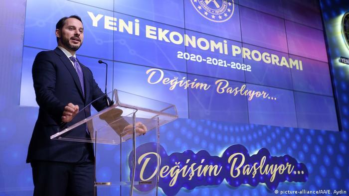 Berat Albayrak speaks at an economic conference