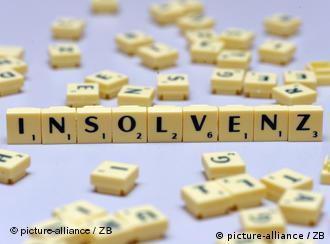 Das Wort Insolvenz mit Scrabble-Steinen dargestellt
