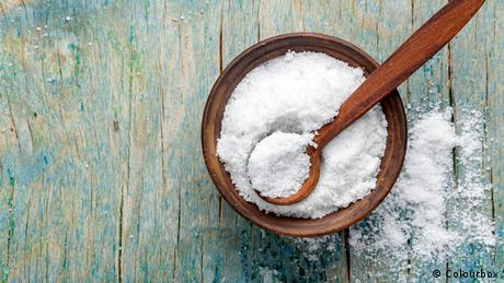 Schale mit Salz