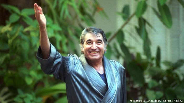 Roberto Sánchez, su nombre real, nació en Argentina en 1945.