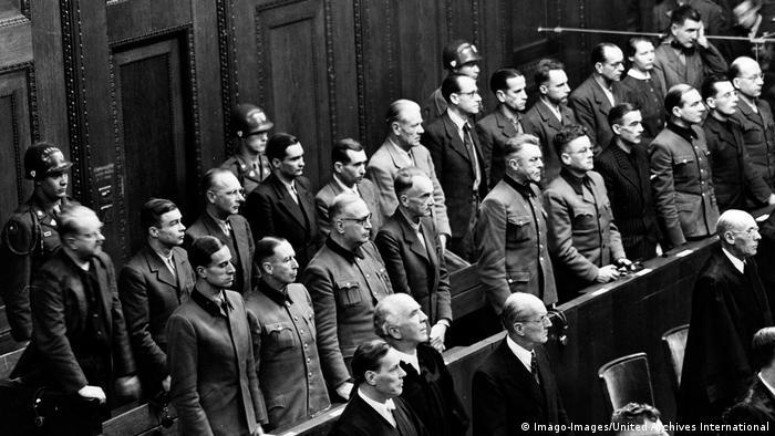 Doctors in the Doctors' trial in the Nuremberg courtroom 600