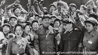 Mao Tse-tung 1966 Kulturrevolution (picture-alliance/KPA/United Archives)
