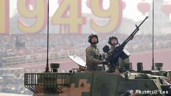 El desfile contó con la participación de 15.000 soldados.