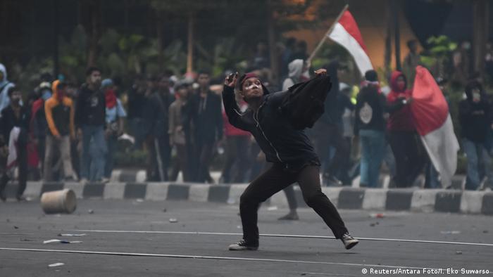 Indonesien Protesten gegen neue Gesetze (Reuters/Antara Foto/I. Eko Suwarso)