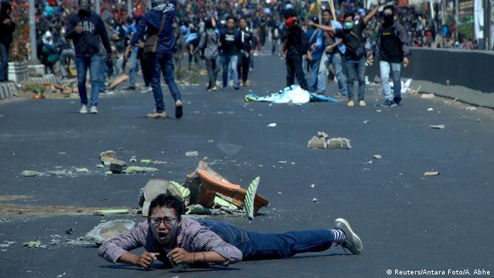 Indonesien Protesten gegen neue Gesetze (Reuters/Antara Foto/A. Abhe)
