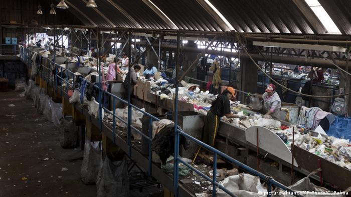 BG Müllhalden in Lateinamerika | Bordo Poniente, Mexiko (picture-alliance/AP Photo/C. Palma)