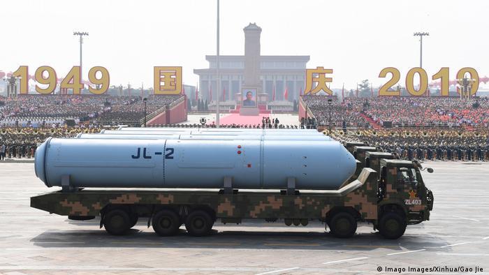 China exibe poderio militar