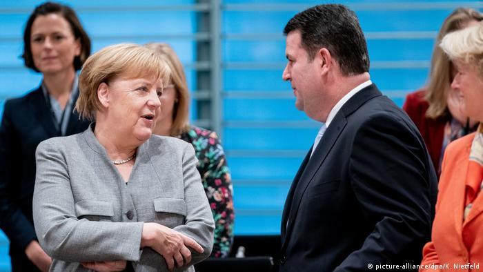 Berlin | Angela Merkel beim Flüchtlingsgipfel