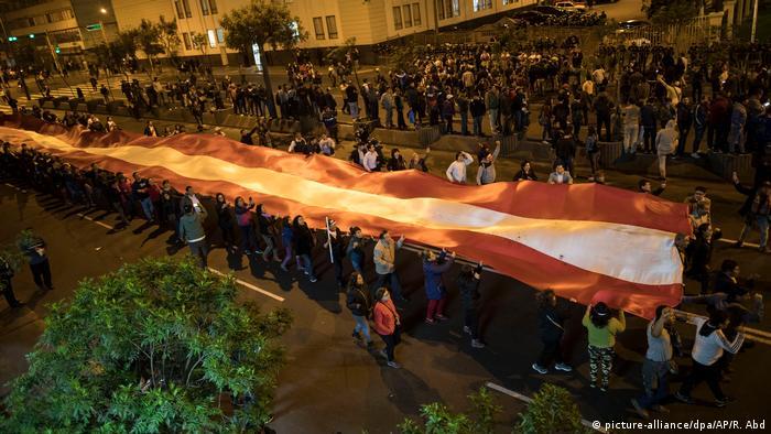 Marchas en respaldo a la medida de Vizcarra se sucedieron la noche del lunes en Lima, Huancayo, Cusco, Arequipa, Puno, Trujillo, Moquegua y Tacna, entre otras ciudades. Nadie salió a las calles a apoyar al Congreso.