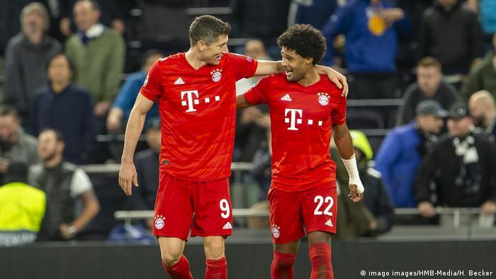 Tottenham Hotspur vs. Bayern Munich - UEFA Champions League - Group B - Serge Gnabry und Robert Lewandowski