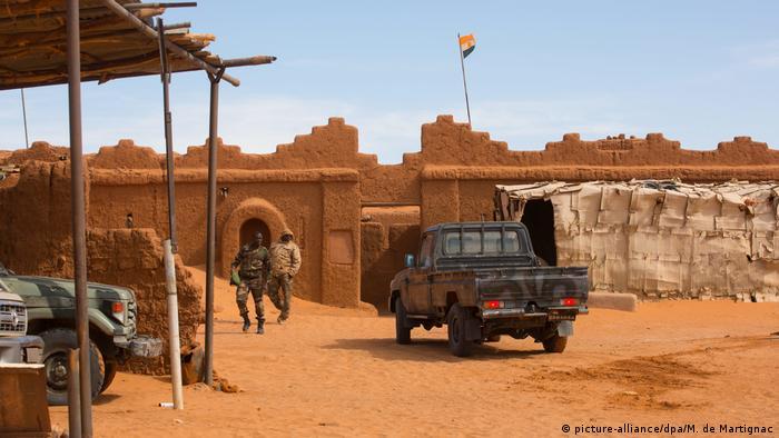 Symbolbild Anschlag auf Militärbasis in Mali