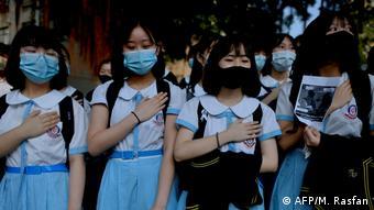 Ratusan murid sekolah melakukan aksi mogok sebagai protes terhadap Cina pada Oktober 2019 lalu.