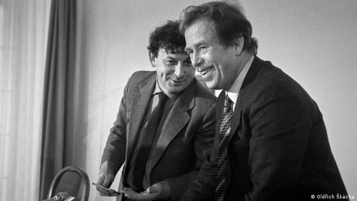 Bilder von der Václav Havel Ausstellung in der Frankfurter Buchmesse