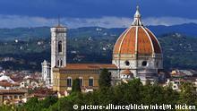 Blick vom Boboli-Garten auf die Kathedrale von Florenz mit Campanile di Giotto, Italien, Florenz | view from Boboli Gardens to Florence Cathedral and Giotto's Campanile, Italy, Florence | Verwendung weltweit