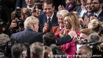 Firaministan Birtaniya Boris Johnson a tsakiya