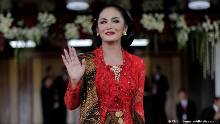 House of Representative member 2019-2024 from PDIP Party, Krisdayanti. (CNN Indonesia/Adhi Wicaksono)