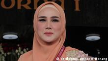 Mulan Jameela nahm an der Einweihung als Mitglied des indonesischen Parlaments für den Zeitraum 2019-2024 teil.