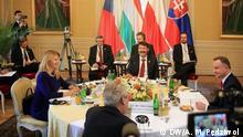 Präsidenten der Visegrader Gruppe bei der ersten Gesprächsrunde im Schloss Lány bei Prag