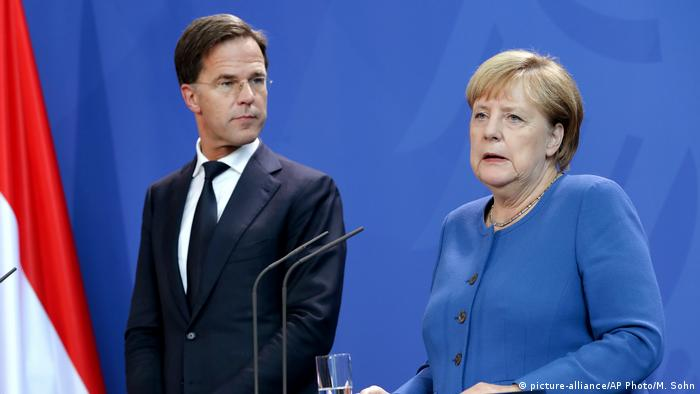 Mark Rutte and Angela Merkel