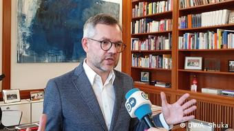 Deutschland Michael Roth (DW/A. Shuka )