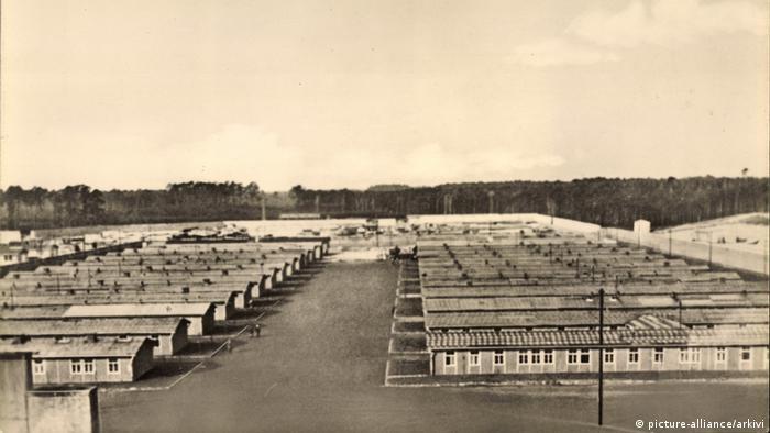 W maju 1941 roku 19-letnia Erna rozpoczyna służbę w Ravensbrueck
