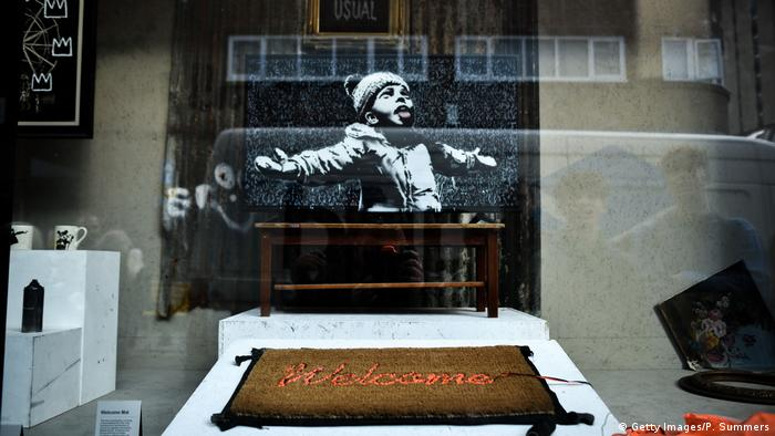 Kunstinstallation: Blick in den verschlossenen Banksy-Shop in London (Getty Images/P. Summers)