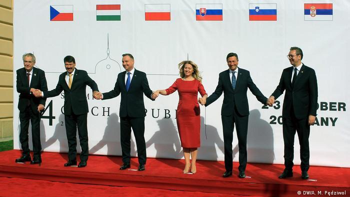 Od l. prezydent Czech Miloš Zeman, Janos Ader z Budapesztu, prezydent RP Andrzej Duda,prezydent Słowacji Zuzana Čaputowá, prezydent Słowenii Borut Pahor oraz prezydent Serbii Aleksander Vuičić