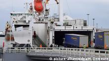 Frankreich Hafen in Calais