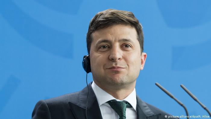 Володимир Зеленський заявив, що закон про особливий статус Донбасу може бути продовжений ще на один рік