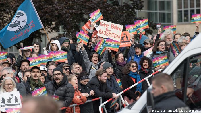 Tag der Deutschen Einheit Demonstration (picture-alliance/dpa/J. Carstensen)