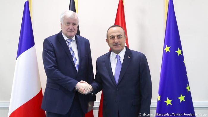 Almanya İçişleri Bakanı Horst Seehofer ve Türkiye Dışişleri Bakanı Mevlüt Çavuşoğlu