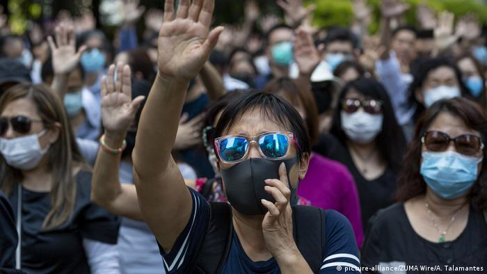 Hongkong Anti-Regierungsproteste nach Vermummungsverbot