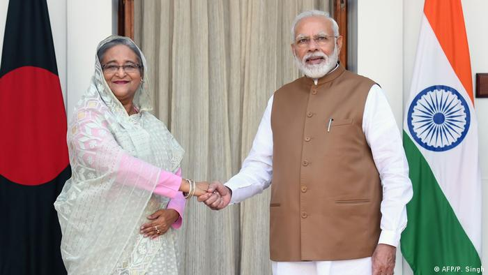Indian PM Narendra Modi and Bangladeshi PM Sheikh Hasina